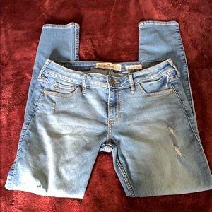 🌺 Hollister Low Rise Super Skinny Jean